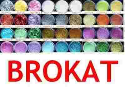 Czy można wsypać brokat do farby